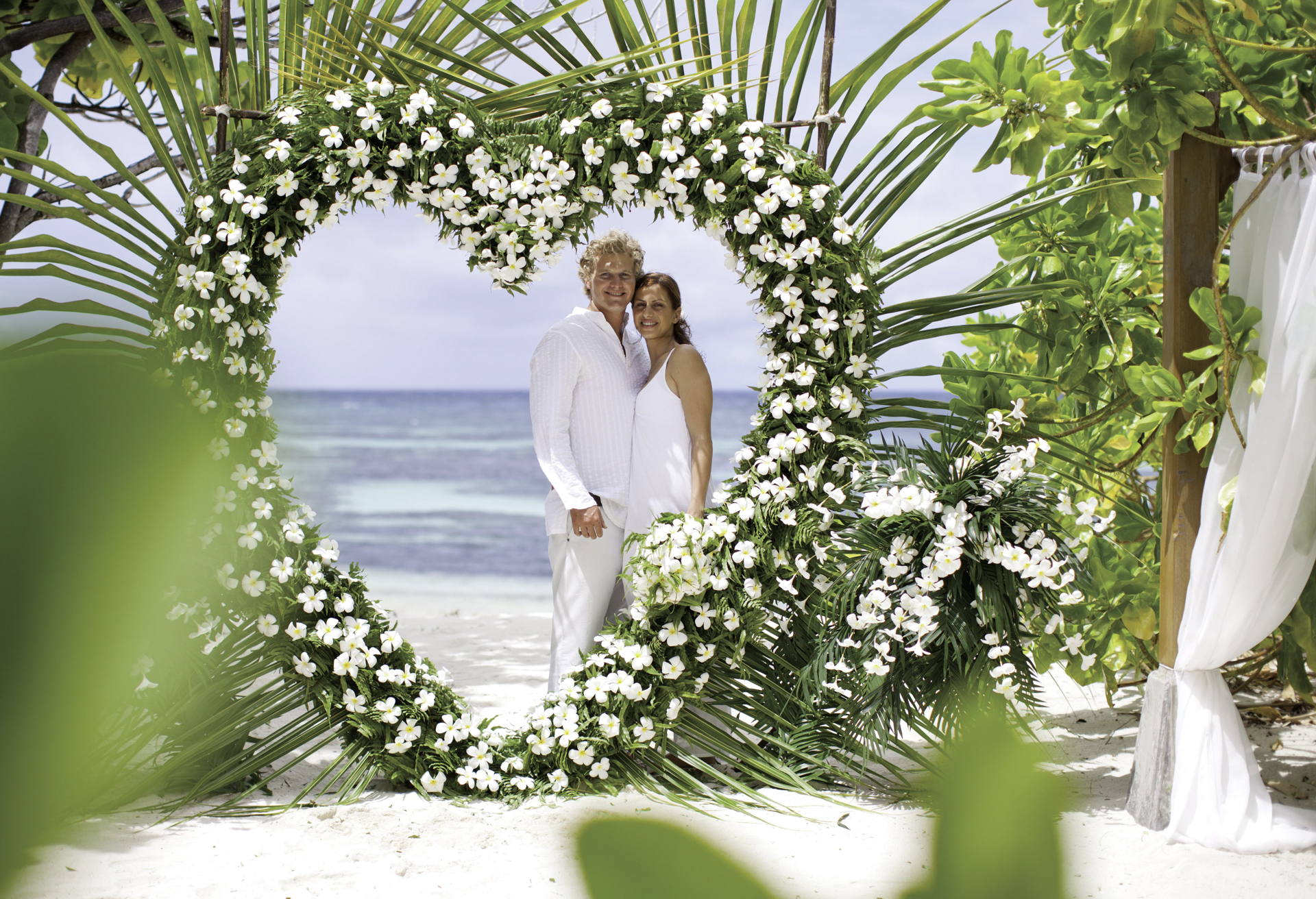Weddings in the seychelles seychelles holidays for Where to go for a honeymoon